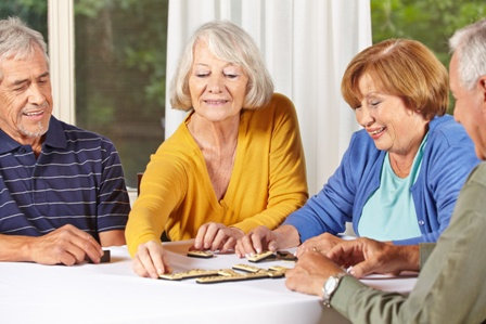 ככל שתוחלת החיים גדלה, יותר אנשים מתמודדים עם אפשרות העברת בן משפחה מבוגר לבית אבות. החלטה זו יכולה להגיע עם אשפוז פתאומי, או ירידה הדרגתית בתפקוד המבוגר, המצריכה מעבר לסוג דיור אחר.